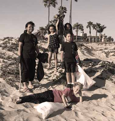 Wing Chun Kids clean up the beach.